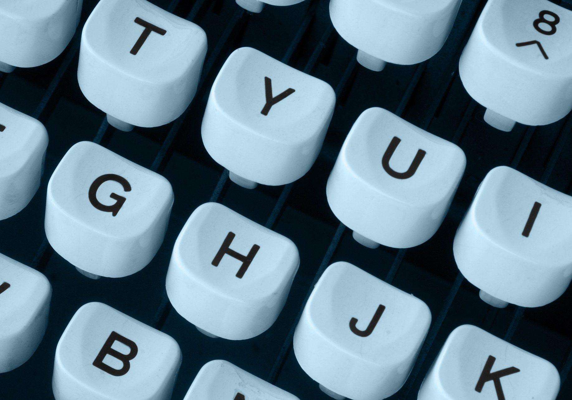https://pixabay.com/de/photos/schreibmaschine-tastatur-maschine-3638185/